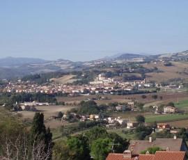 640px-San_Lorenzo_in_Campo_-_Vista_dalla_rocca_di_Castelleone_di_Suasa_1